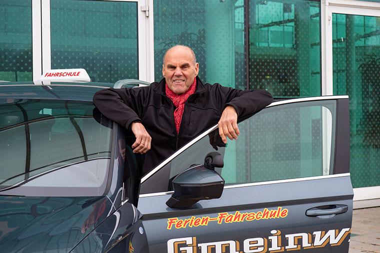 Fahrlehrer und Inhaber Kurt Gmeinwieser